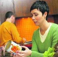 صورة قراءة المعلومات على أغلف الأطعمة تجعلك أنحف ب 4 كغم من غيرك