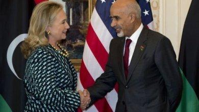 """صورة رئيس المؤتمر الوطني لكلينتون: ليبيا لن تكون """"عبئا"""" على العالم"""