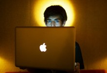 """صورة انتحار آرون سوارتز الناشط في مجال """"حرية الانترنت"""""""