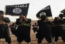 صورة داعش يعدم مسؤولا في الحشد الشعبي مع أسرته جنوب الموصل