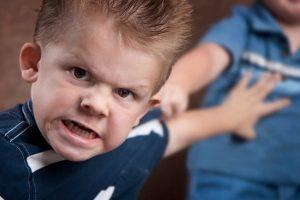 5 علامات تشير لتأذي طفلكِ نفسيا