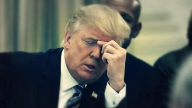 صورة ترامب ينفي أن يكون عنصريا
