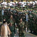طهران تنشر قوات مكلفة بحماية خامنئي على حدود العراق