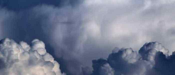"""""""نهر في السماء"""".. الصين تقود الغيوم وتستمطرها بأي مكان"""