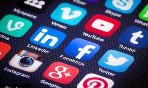 ما هي النرجسية، وهل تسهم وسائل التواصل الاجتماعي في انتشارها؟