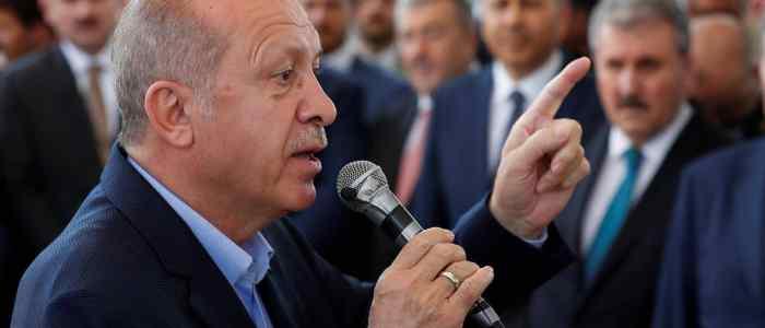 """مصر تستنكر تصريحات أردوغان """"الجوفاء والعبثية"""" بشأن وفاة مرسي"""