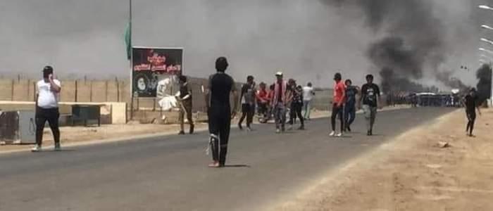قوات عسكرية تقتحتم وتحرق خيام المعتصمين امام حقل الاحدب النفطي