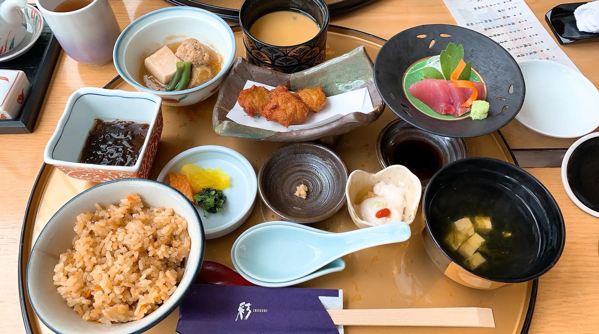 ルネッサンスリゾートオキナワ日本料理「彩」昼食うとぅいむちランチの内容は?