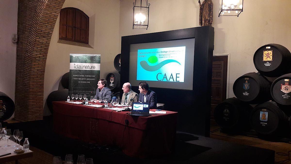 Jornada Viticultura Ecológica en Jerez. Análisis del sector por CAAE | AkataVino Magazine