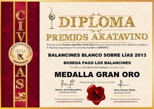Balancines Blanco sobre lias 2013 Diploma Medalla GRAN ORO CIVAS 2016 © akataVino.es