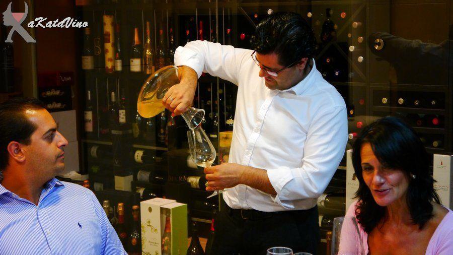 Antonio Fernández Dom Ossian Vides y Vinos © Guia AkataVino