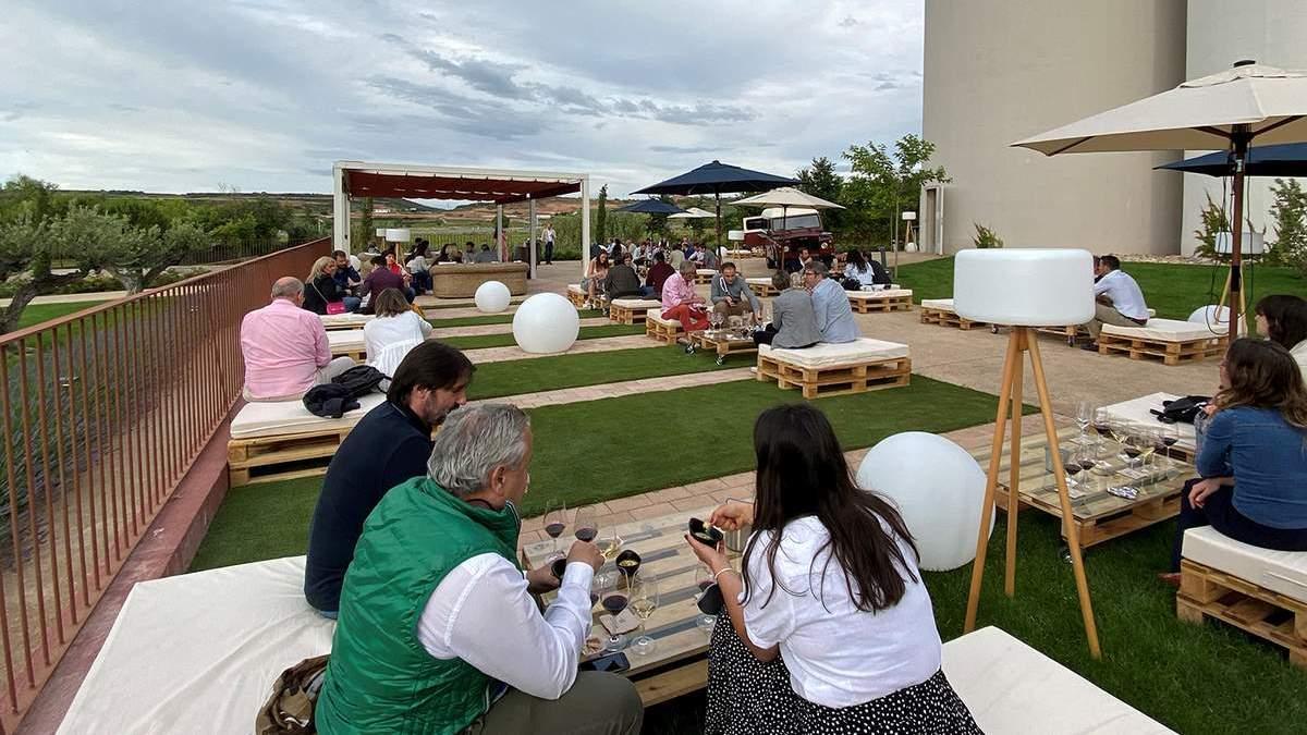 Bodegas Corral presenta sus vinos ecológicos: Sostenibilidad, Terruño y Naturaleza | AkataVino Magazine