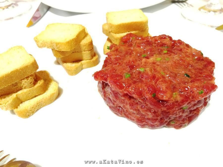 Restaurante La Bahia Tartar atun rojo © akataVino