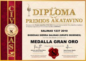 Salinas 1237 2010 Sierra Salinas Diploma Medalla GRAN ORO CIVAS 2016 © akataVino.es