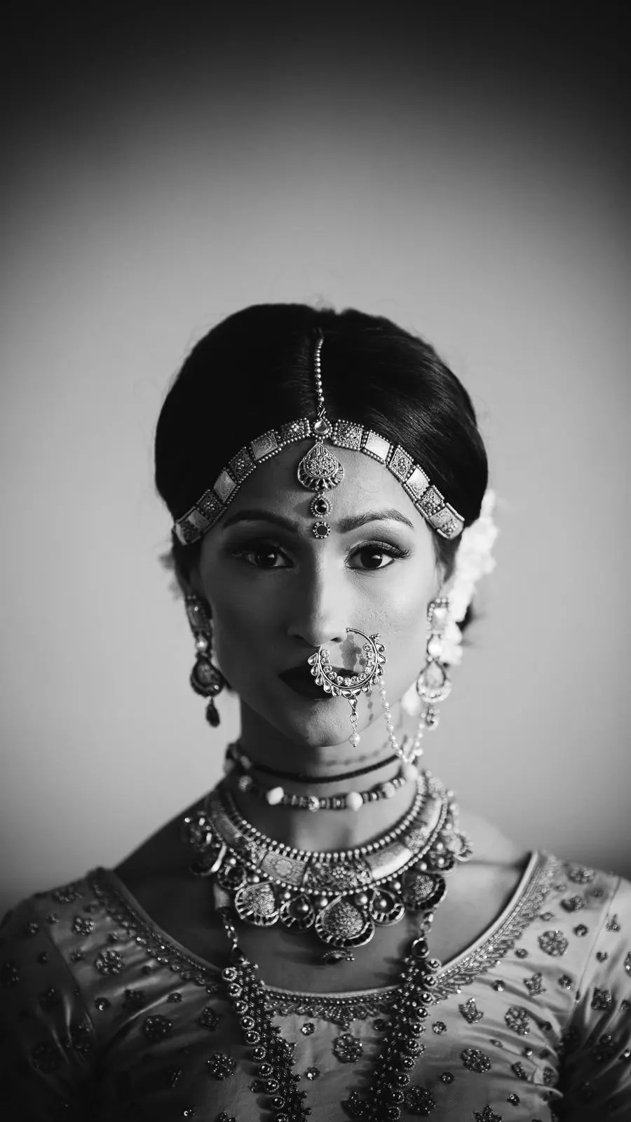 Black and white bridal portrait by Akbar Sayed Photography