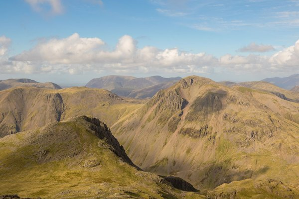 Lingmell from Scafell Pike (2)