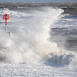 Waves hitting a Groyne