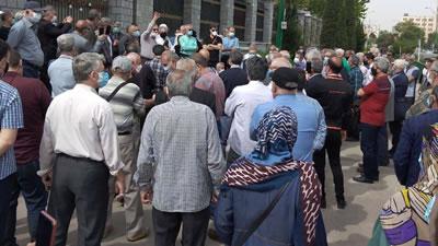 گزارشی از تجمع امروز باز نشستگان در تهران - ۲۲ فروردین ۱۴۰۰ - اخبار روز -  سایت سیاسی خبری چپ