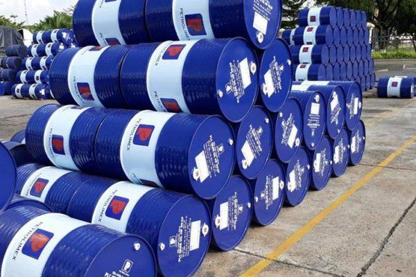 السعودية تخفض إنتاج البترول في يونيو مليون برميل يوميًا إضافية