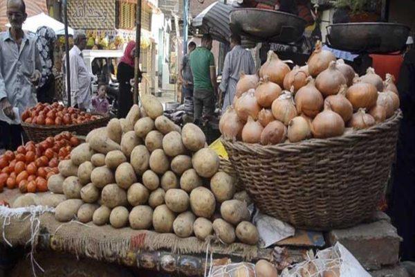 تراجع الخيار والمشمش.. أسعار الخضر والفاكهة في سوق العبور اليوم الخميس