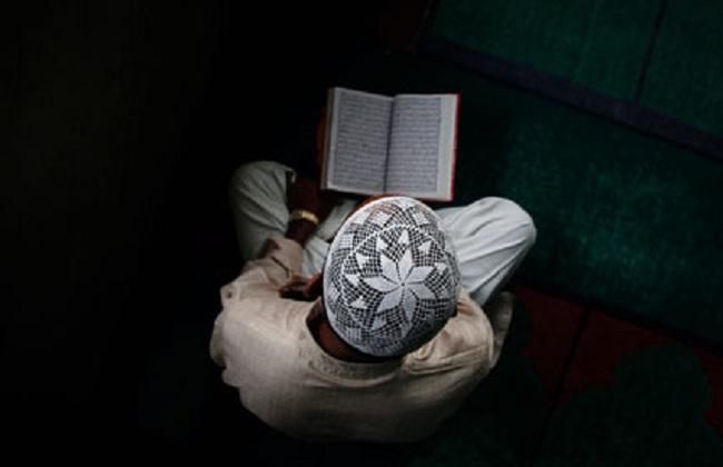 4 Cara Menjawab Waswas dari Syaithan Saat Bersama Al-Qur'an