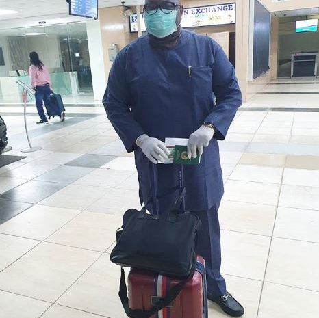 Coronavirus in Lagos: Dele Momodu Spotted Wearing Mask And Gloves At The Lagos Airport
