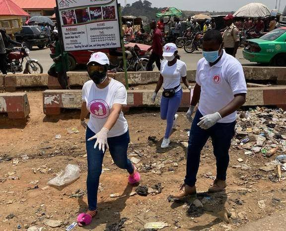 Tonto Dikeh Shares Free Face Masks, Sanitizers, Hand Gloves To Fight Coronavirus