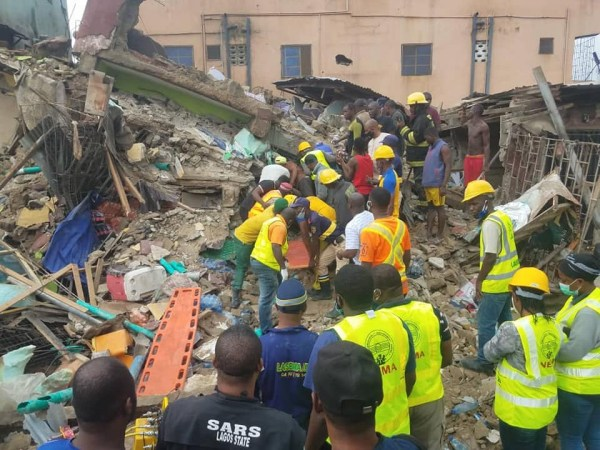 5f09bbcb75133 - Replace: Dying toll from Lagos constructing collapse rises to a few