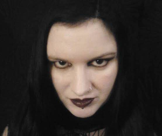 See Real life Vampire Who Drinks blood And Says She's 600-years-old (Photos)
