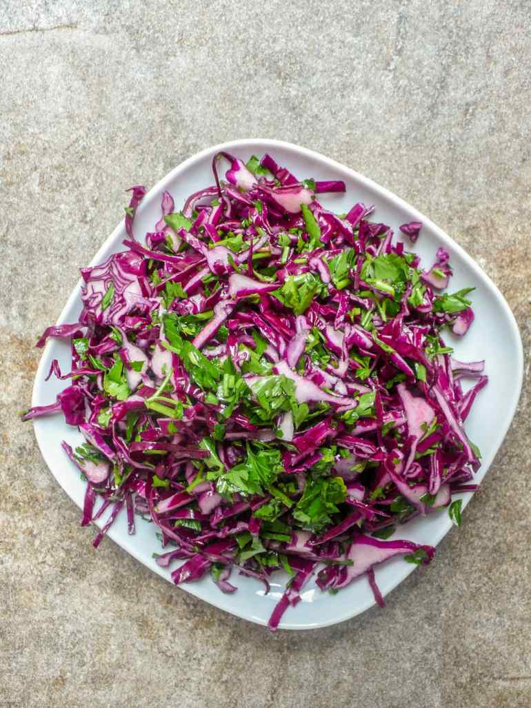 Red cabbage salad - recipe - A kitchen in Istanbul