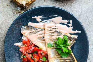 Sea bass with tomato salsa and tahini sauce - recipe / A kitchen in Istanbul