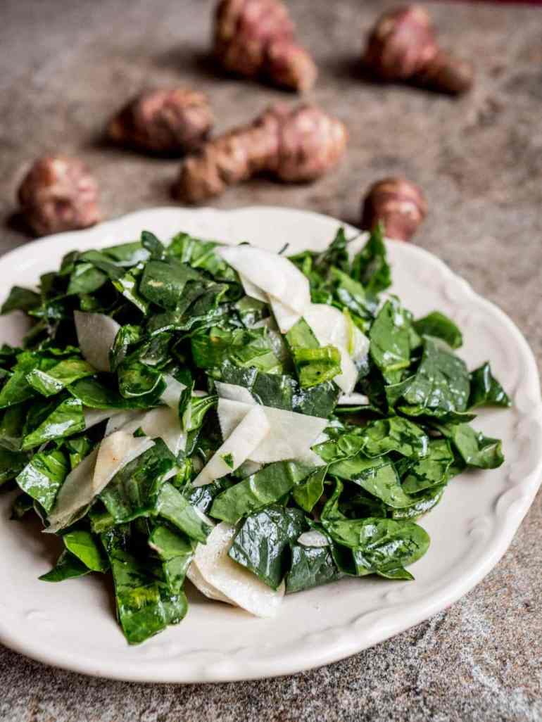 Spinach and jerusalem artichoke salad - recipe / A kitchen in Istanbul