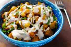Fried chickpeas, roast pumpkin and tahini sauce - recipe / A kitchen in Istanbul