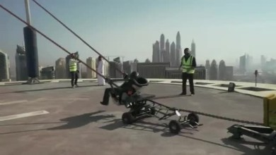 "Photo of ما حقيقة فيديو "" المقلاع البشري "" في دبي ؟ ( فيديو )"