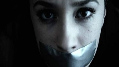 Photo of الإمارات : إيراني و أصدقاؤه ينتحلون شخصية محققين و يعتدون على امرأة