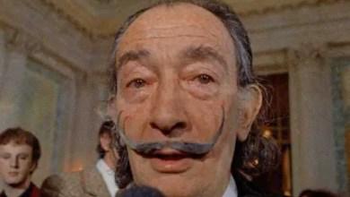 Photo of شاربه الشهير لا يزال سليماً بعد 28 عاماً على وفاته .. استخراج رفات سلفادور دالي للوصول إلى الحقيقة في قضية نسب