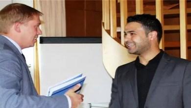 Photo of نموذج للاندماج الناجح .. ألمانيا : لاجئ سوري يحصل على شهادة مهنية و عقد عمل في شركة و يحتفل بهما مع خطوبته