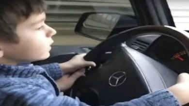Photo of بالفيديو .. طفل روسي في الرابعة يقود سيارة على طريق سريع