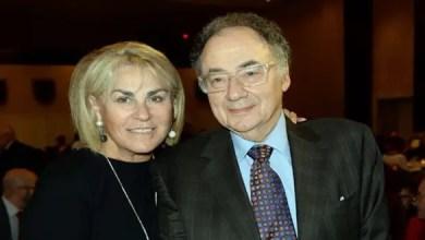 Photo of الشرطة الكندية : وفاة الملياردير باري شيرمان و زوجته ناجمة عن جريمة قتل مزدوجة