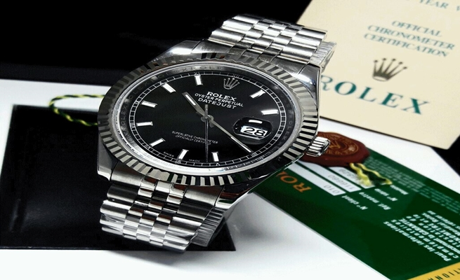 "4df2ab074 لماذا يصل سعر ساعة "" Rolex "" إلى 10 آلاف دولار ؟"