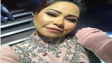 """Photo of المطربة المصرية شيرين """" تركل """" حارس أمن على المسرح في حفل السويد ! ( فيديو )"""