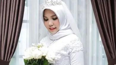 Photo of فتاة أندونيسية تلتقط صور زفافها بمفردها بعد وفاة عريسها !