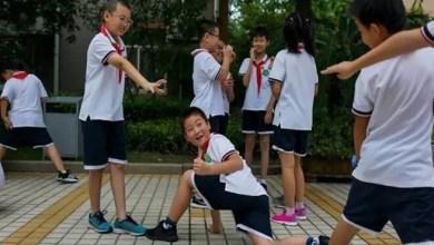 Photo of الصين تعتمد زي مدرسي ذكي يتعقب التلاميذ الفارين !