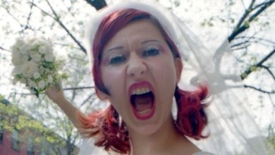 Photo of أسترالية تمنع أقاربها من حضور زفافها بسبب اللحوم !