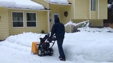 صورة أمريكي يجني 35 ألف دولار في 4 أيام من إزالة الثلوج