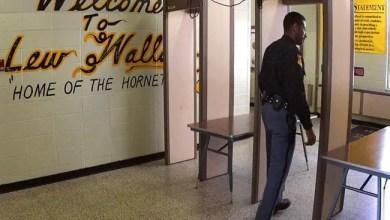 Photo of سجين أميركي يحاول تهريب سلاح طوله نصف متر بطريقة غريبة