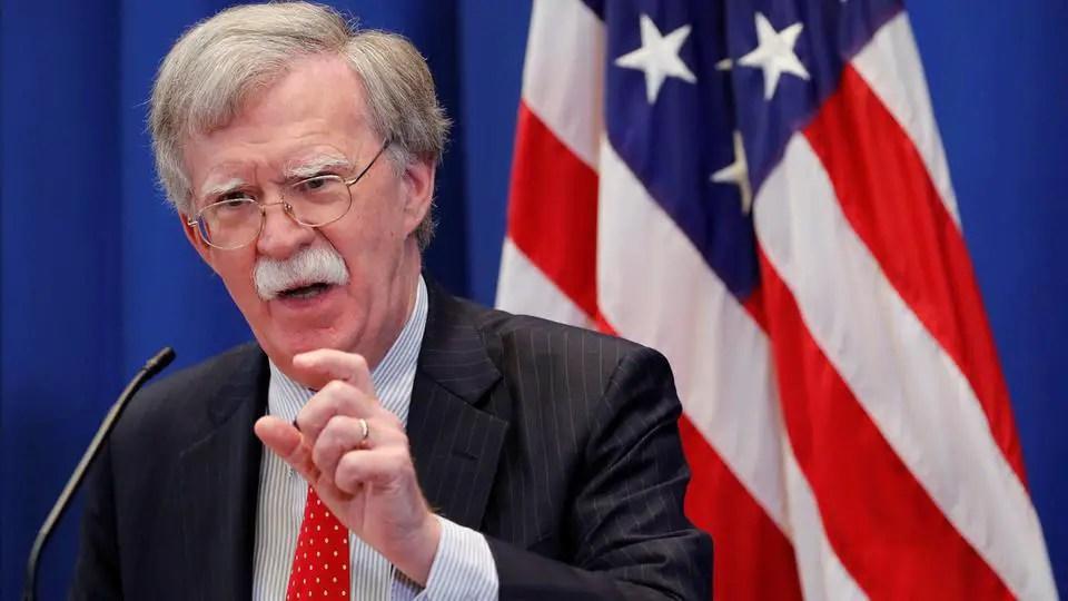 بولتون : واشنطن تُرسل حاملة طائرات و قاذفات إلى الشرق