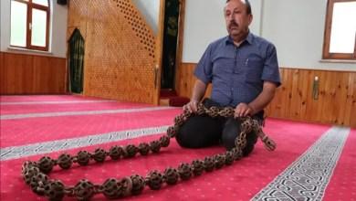 Photo of دون مواد لاصقة .. نجار تركي يصنع مسبحة بطول 185 سم