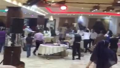 Photo of حفل زفاف يتحول إلى حلبة مصارعة في لبنان ( فيديو )