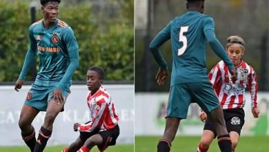 """Photo of لاعب أمستردام """" العملاق """" يثير الجدل على مواقع التواصل"""